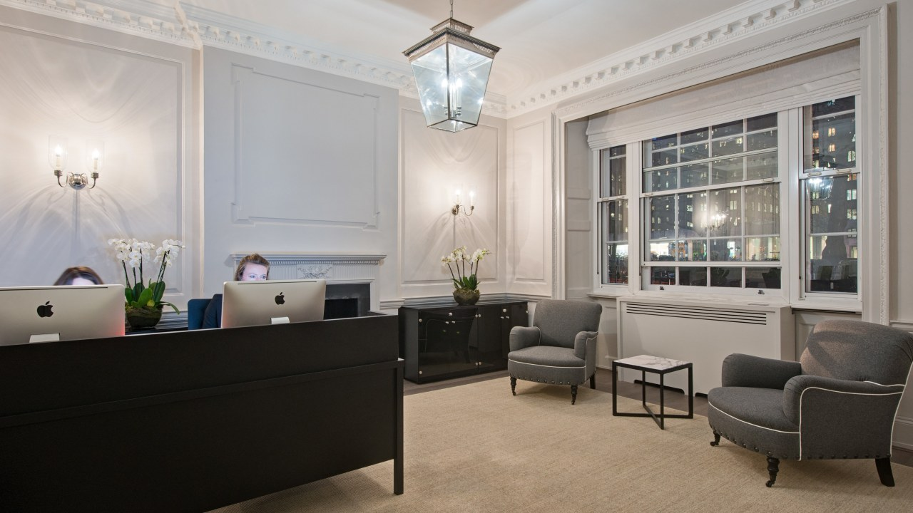 office-design-for-Cap-invest-7_3840x2160_acf_cropped