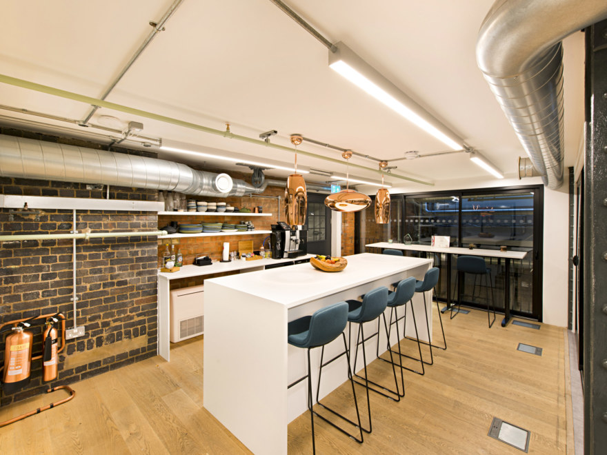 teapoint-office-design-by-oktra_2640x1980_acf_cropped
