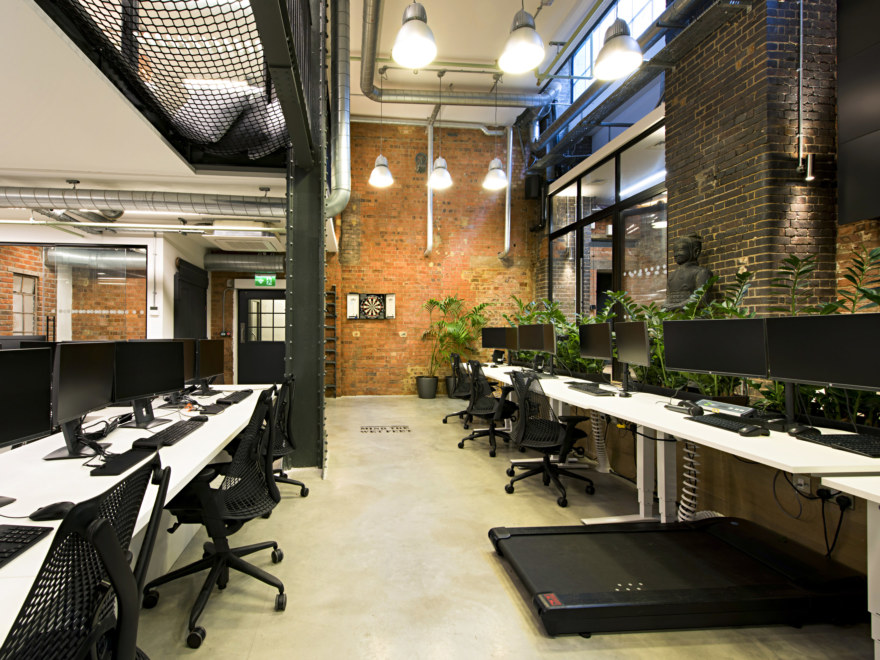 office-fit-out-by-oktra_2640x1980_acf_cropped